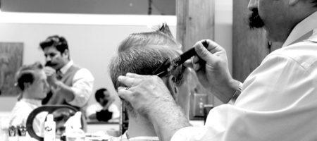 Le styliste professionnel vous aidera à être à la pointe de la mode !